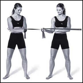 faire travailler les épaules avec une bande fitness